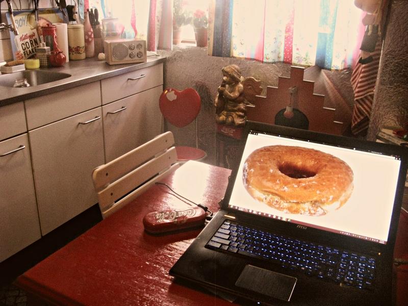 VAN ALLES E - 280214 --- Proclamation donut 800